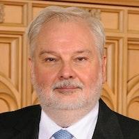 Yr Athro William Evans MBE MA(Oxon) PhD(Wales) FInstP FIPEM FSRP HonMRCR CPhys CSci CRadP