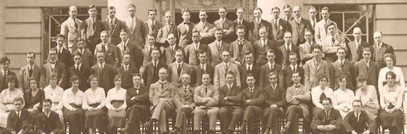 Staff and students at the first Pharmacy prize day in October 1920.