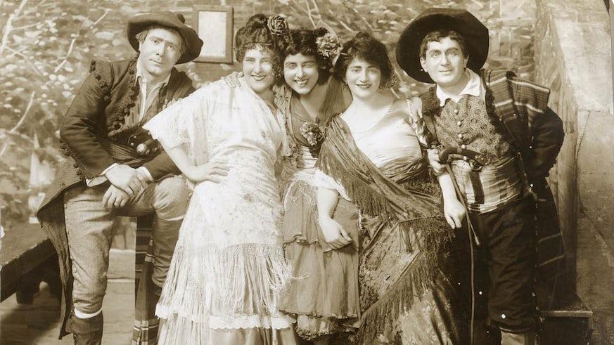Geraldine Farrar as Carmen with cast, New York 1914