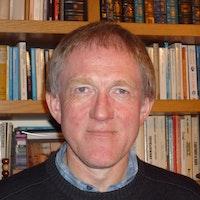 Yr Athro Angus Clarke