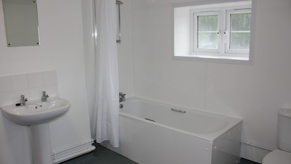 Bathroom in Talybont Court 3 Bed House