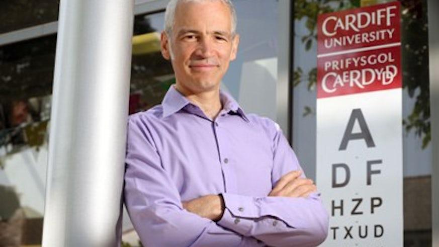 Dr Tom Magrain