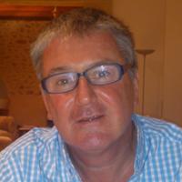 Yr Athro Neil Robertson