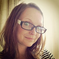 Dr Jenny Kidd BA (English, Swansea) MA (Publishing, Oxford Brookes) PhD (Cardiff University)