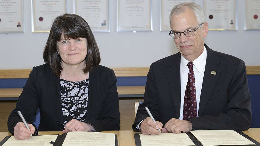 Signing a partnership with Mississippi State University