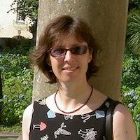 Dr Andrea Frank