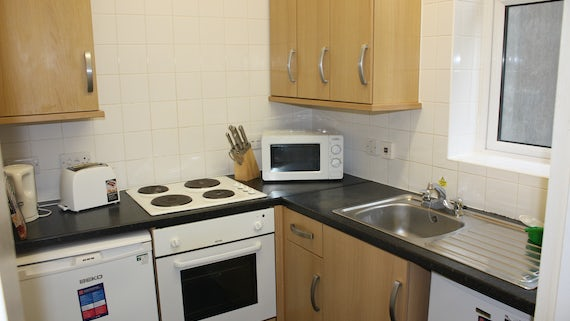 Kitchen in Student Houses/Flats Village 2 Bed Flat Miskin Street