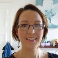 Dr Caroline Lynch