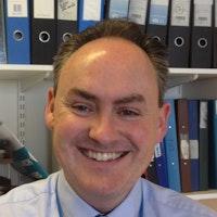 Dr Steven Knapper