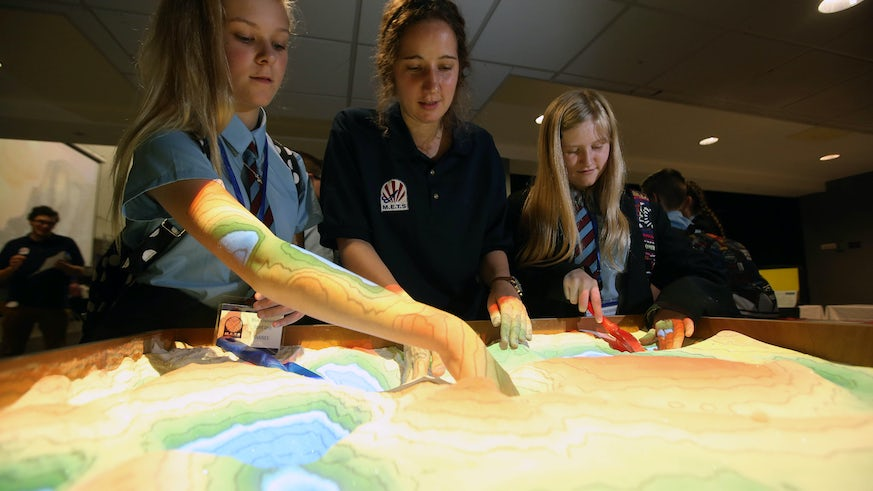 Students exploring the surface structure of Mars