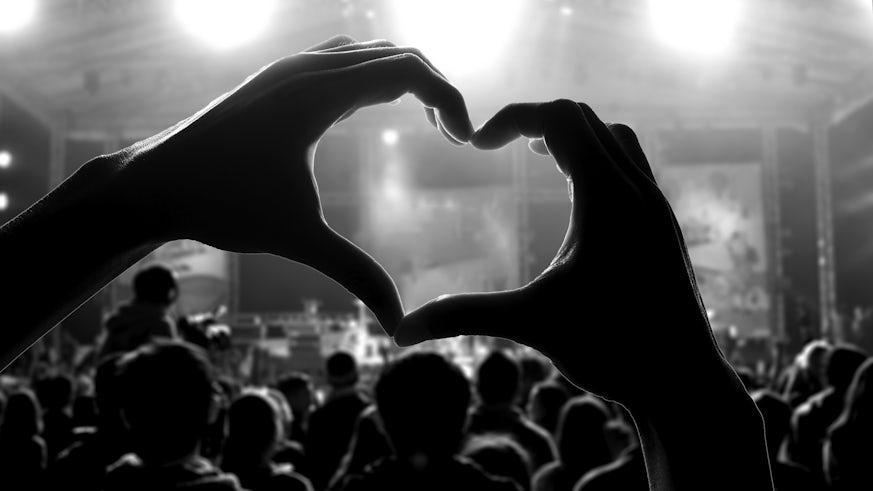 hand making a heart