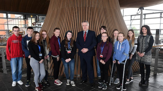 First Minister with Cynffig Comprehensive School pupils