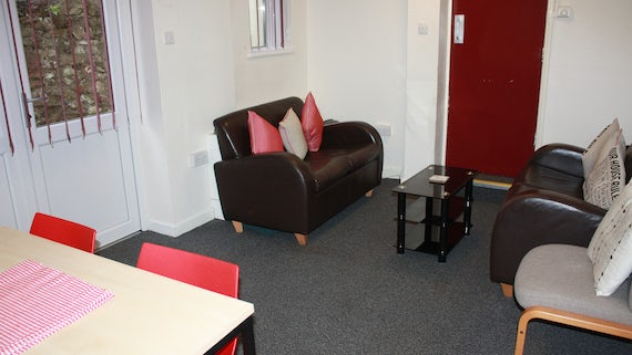 Lounge/Dining in Student Houses/Flats Village 2 Bed Flat Cogan Terrace