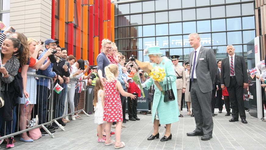 The Queen arrives at CUBRIC