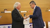 Mike Edmunds receiving the Giuseppe Sciacca International Award for Physics