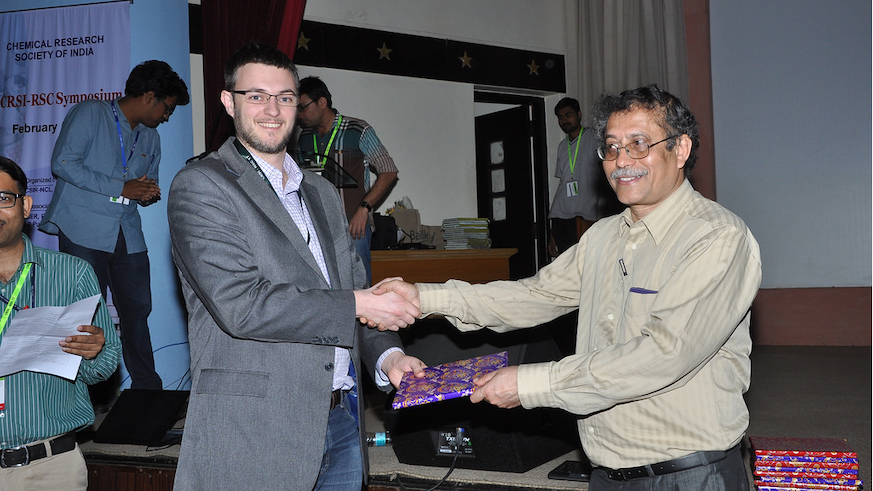 Dr Duncan Browne receiving a token from Prof Sourav Pal; Director of NCL Pune.