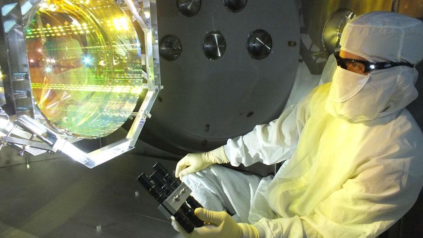Gravitational waves experiment
