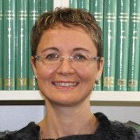 Yr Athro Angela Casini