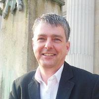 Yr Athro Paul Milbourne