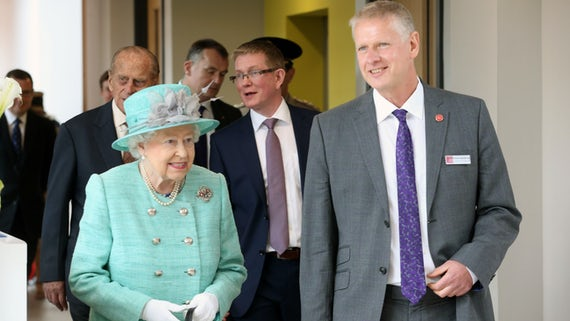 Queen with Vice Chancellor at CUBRIC